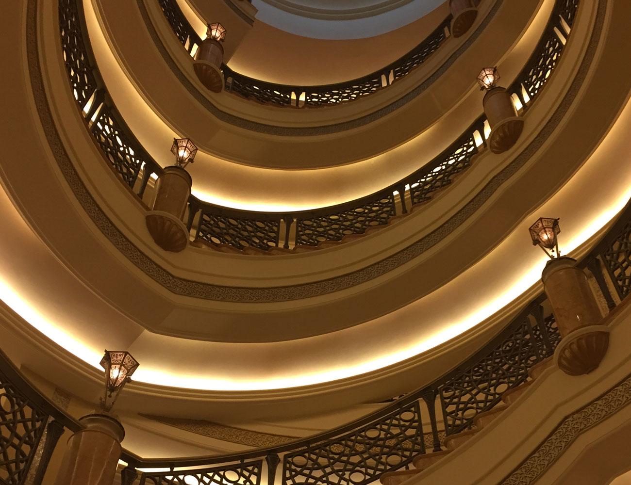 Дизайн лестниц в эксклюзивных интерьерах КП «Миллениум Парк», «Золотой мили» и «Москва Сити». Фото 03